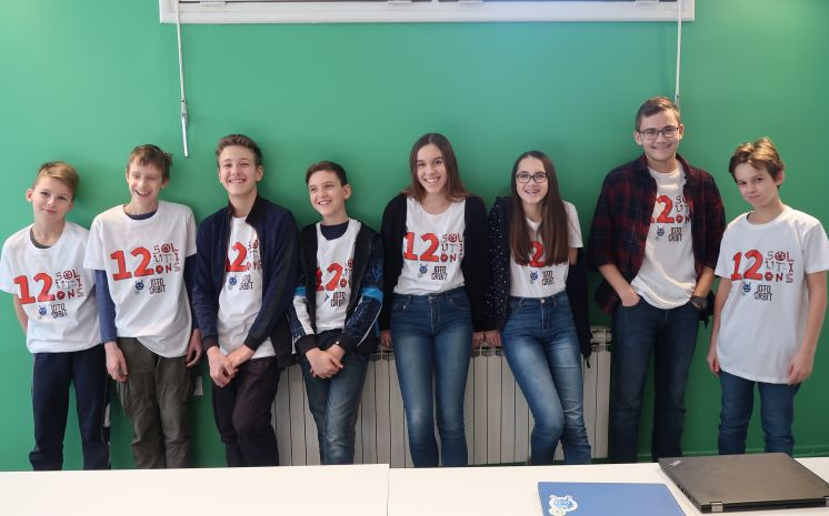 12 solutions FIRST LEGO League